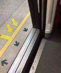 物品掉进地铁轨道怎么办?