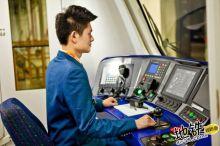 第一视角,试试开地铁列车的感觉!
