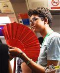 英国地铁没空调 乘客各凭意志蒸桑拿