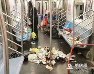 触目惊心!纽约最脏地铁车厢火了!