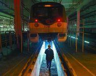 """上海地铁将延长运营时间 """"守夜人""""压力更大了"""