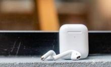 纽约地铁大量无线耳机AirPods掉落地铁轨道 考虑发布公告
