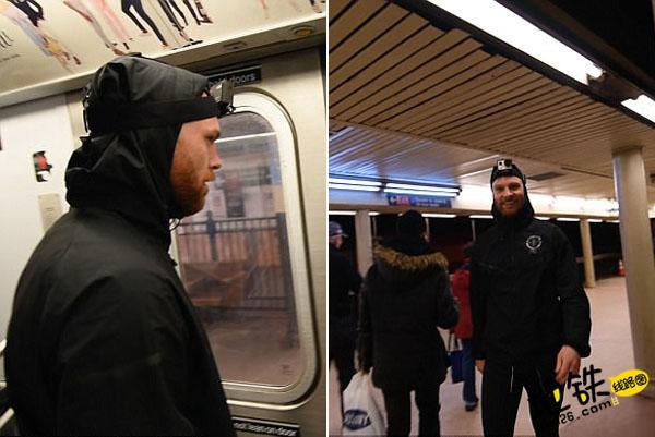 男子与地铁赛跑 下一站成功登上同一趟地铁 轨道休闲