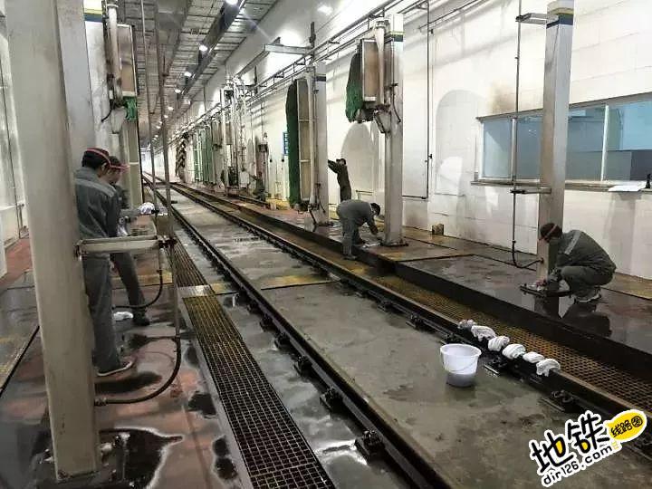 """地铁洗车机也有""""体检"""" 地铁人 体检 地铁洗车机 洗车 地铁 轨道知识  第1张"""