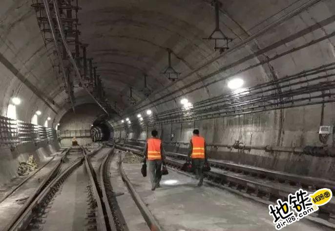 """地铁信号人的专属""""夜生活"""",你造么? 轨道故事 第2张"""