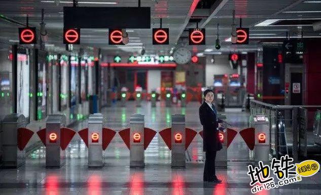 春节,我们不回家,是为了你们更好的回家! 回家 乘客 地铁司机 地铁人 地铁 春节 轨道动态  第1张