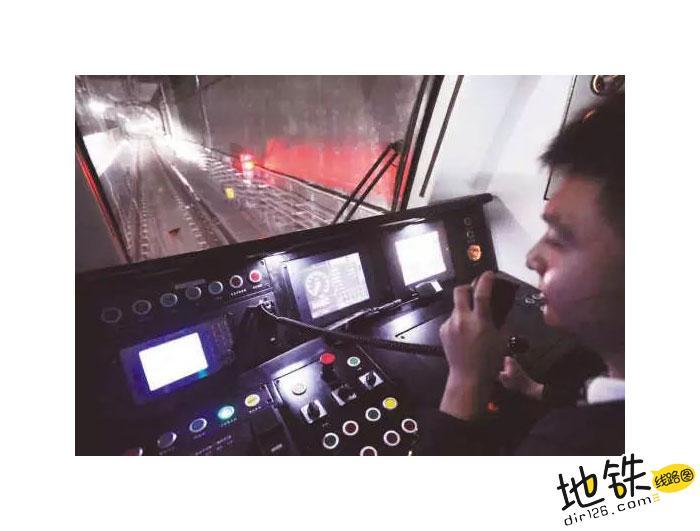 地铁司机最不想遇到的故障! 车辆故障 信号 故障 地铁司机 地铁 轨道故事  第3张