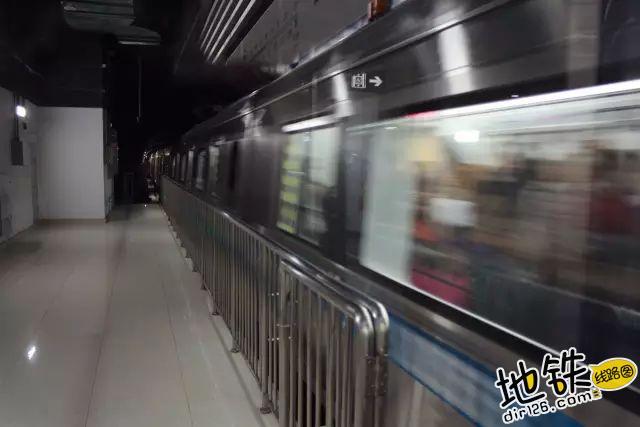 地铁里的那些冷暖故事 目的地 风景 地铁站 地铁 轨道故事  第1张