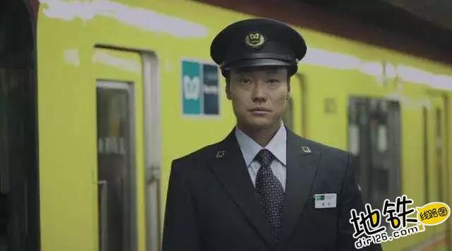 感动180秒,反映了地铁系统整整24小时的情景 乘客 东京 广告 感动 地铁 轨道动态  第2张
