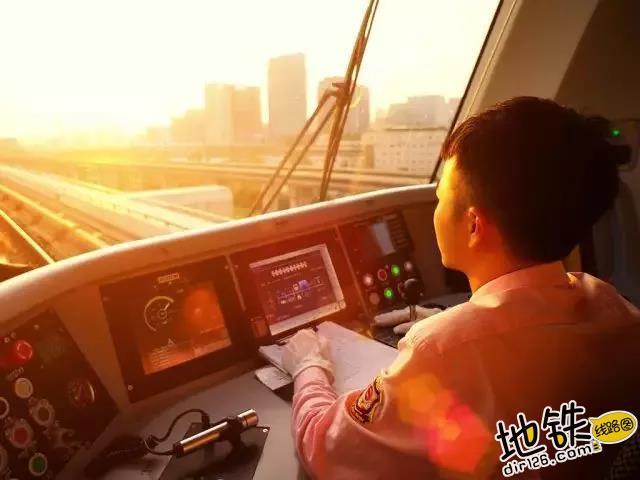 """上海地铁:25岁生日快乐!""""八爪鱼""""成长记 轨道交通 历史 1号线 25周年 上海地铁 轨道动态  第12张"""
