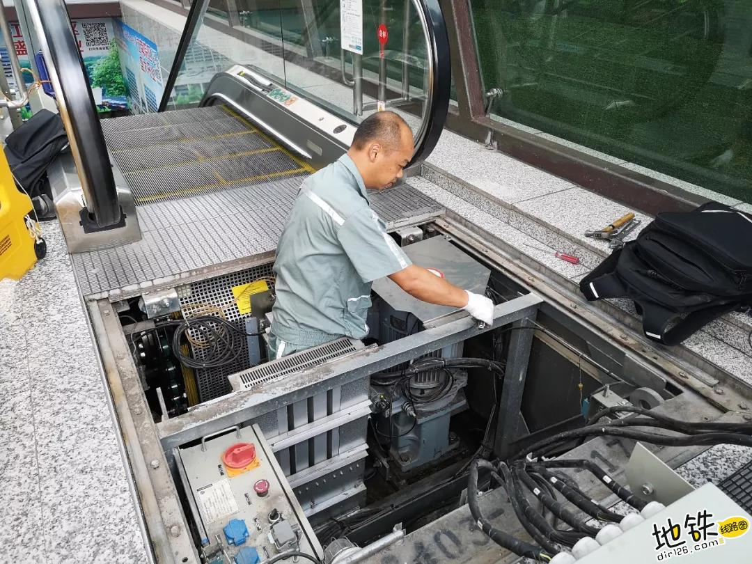 致敬:战高温,轨道人在行动 安全 运营 轨道交通 地铁 高温 轨道故事  第3张