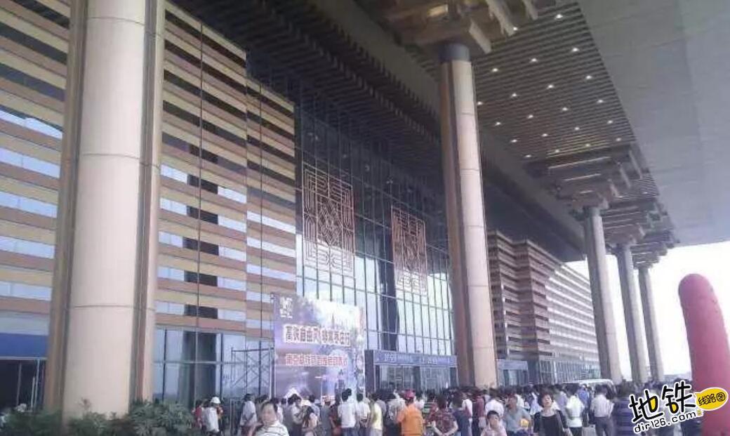 中国唯一仿宫殿火车站,投资300亿光规划就花了17年 宫殿 高铁 交通 南京南站 火车站 轨道动态  第6张