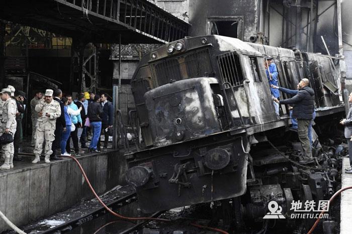 快讯:埃及开罗火车站爆炸引大火 已致至少25死50伤 开罗 火车站 大火 爆炸 埃及 轨道动态  第1张
