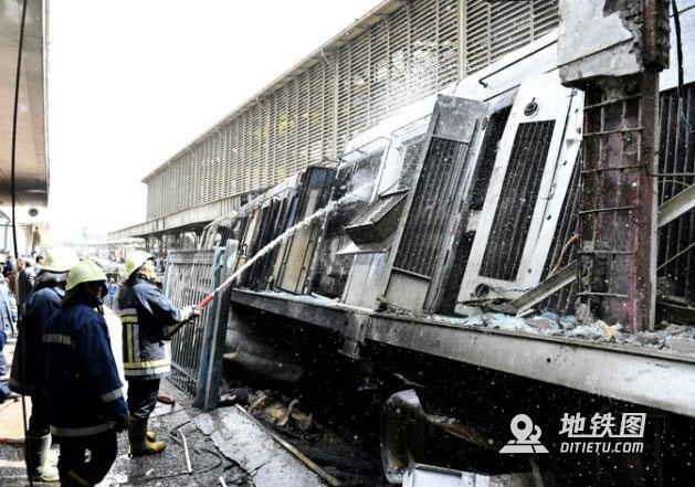 快讯:埃及开罗火车站爆炸引大火 已致至少25死50伤 开罗 火车站 大火 爆炸 埃及 轨道动态  第3张
