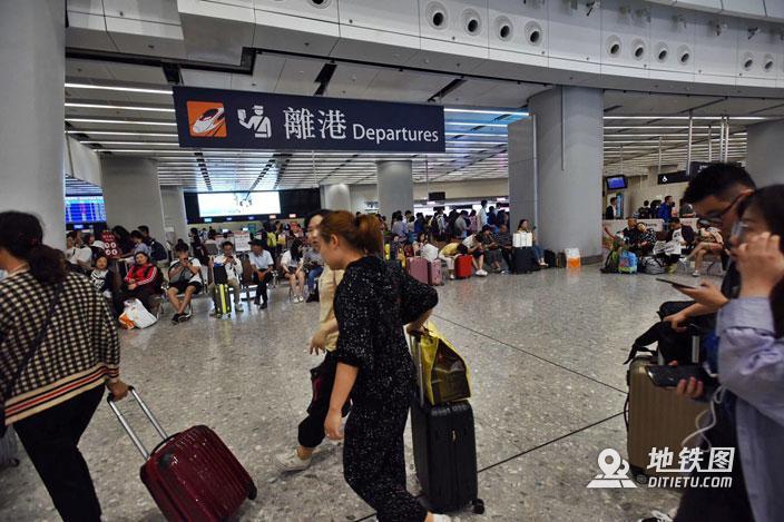 港铁推出长者高铁半价票 香港来往福田半价只需40港元 港铁 高铁 长者 半价 轨道动态  第1张